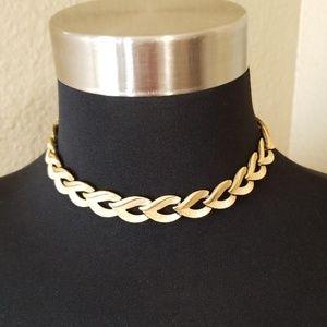 Vintage Trifari Gold Tone Link Choker Necklace